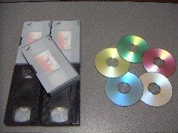 5本のVHSカセットと5枚のDVDメディアその1
